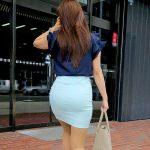 ミニスカート女性の透けパンを盗撮した街撮りパンティラインエロ画像