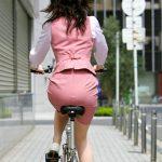 サドルになって顔面騎乗されたくなる自転車の座りお尻を盗撮エロ画像