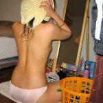 風呂上がり女性の体拭き・着替え・ドライヤーを盗撮した家庭内エロ画像